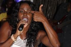 Antigua_OceanPoint_cantante_Tamah_0904rid