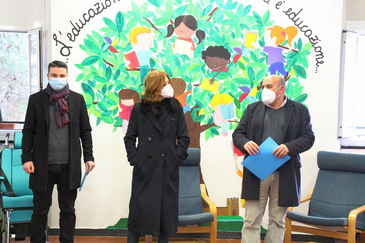 Inaugurazione_Murale-libri_12feb2021_8799_1c_FabioAriottiBarbaraGrossoClaudioChiarotti-rid